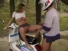Ficken auf dem Motorroller