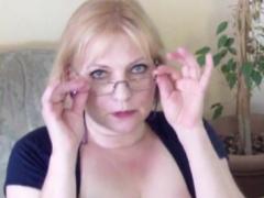 reife Frau mit großen Titten